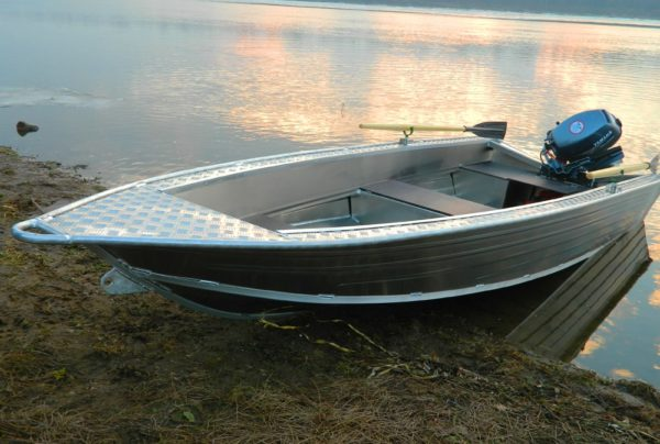 Лодка Wyatboat 390У
