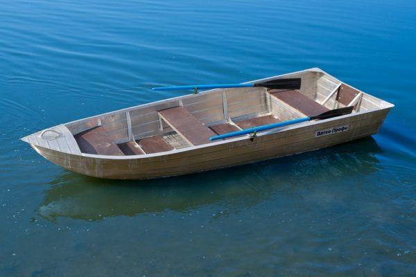Лодка Вятка-Профи 32